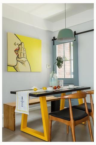 北欧风格两居装修餐桌椅设计