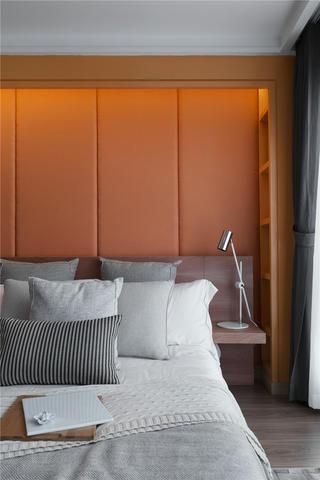 现代简约二居床头背景墙装修效果图