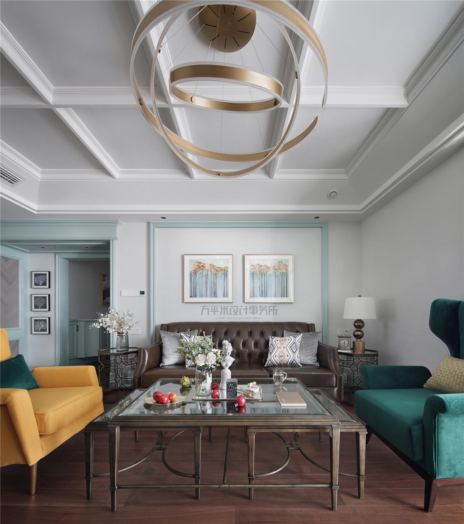美式风格四房装修客厅吊灯设计