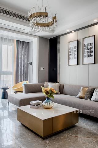 复式现代三居装修客厅茶几设计