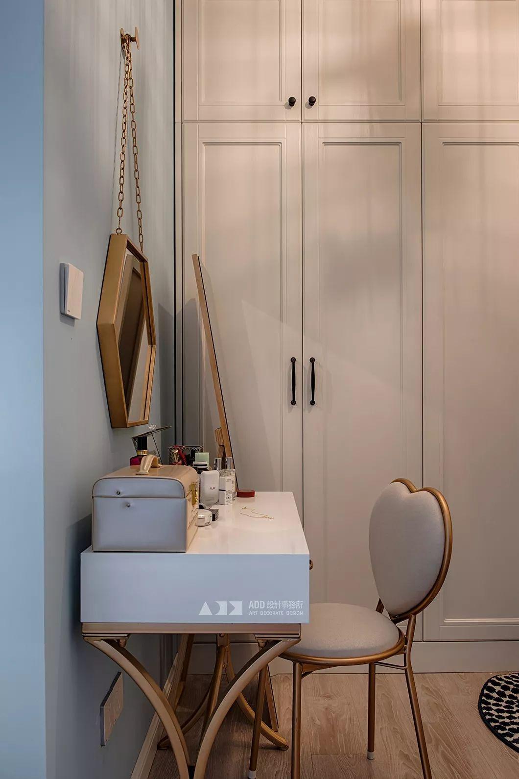 67平米二居室装修梳妆台设计