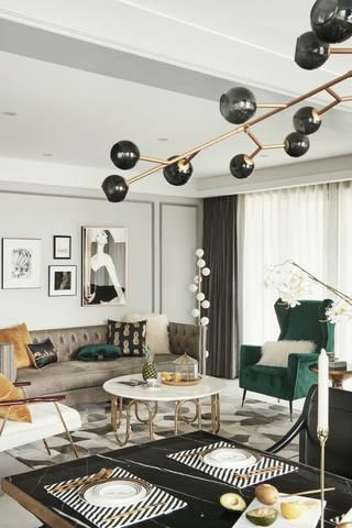 简约美式风两居装修客厅吊灯设计