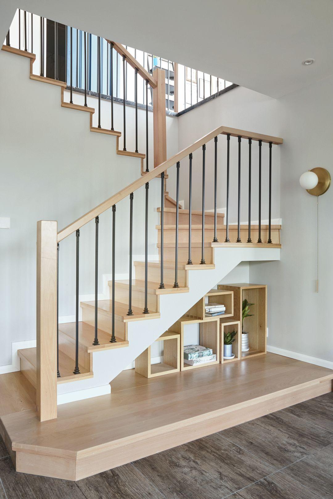 200㎡复式简约风楼梯装修效果图