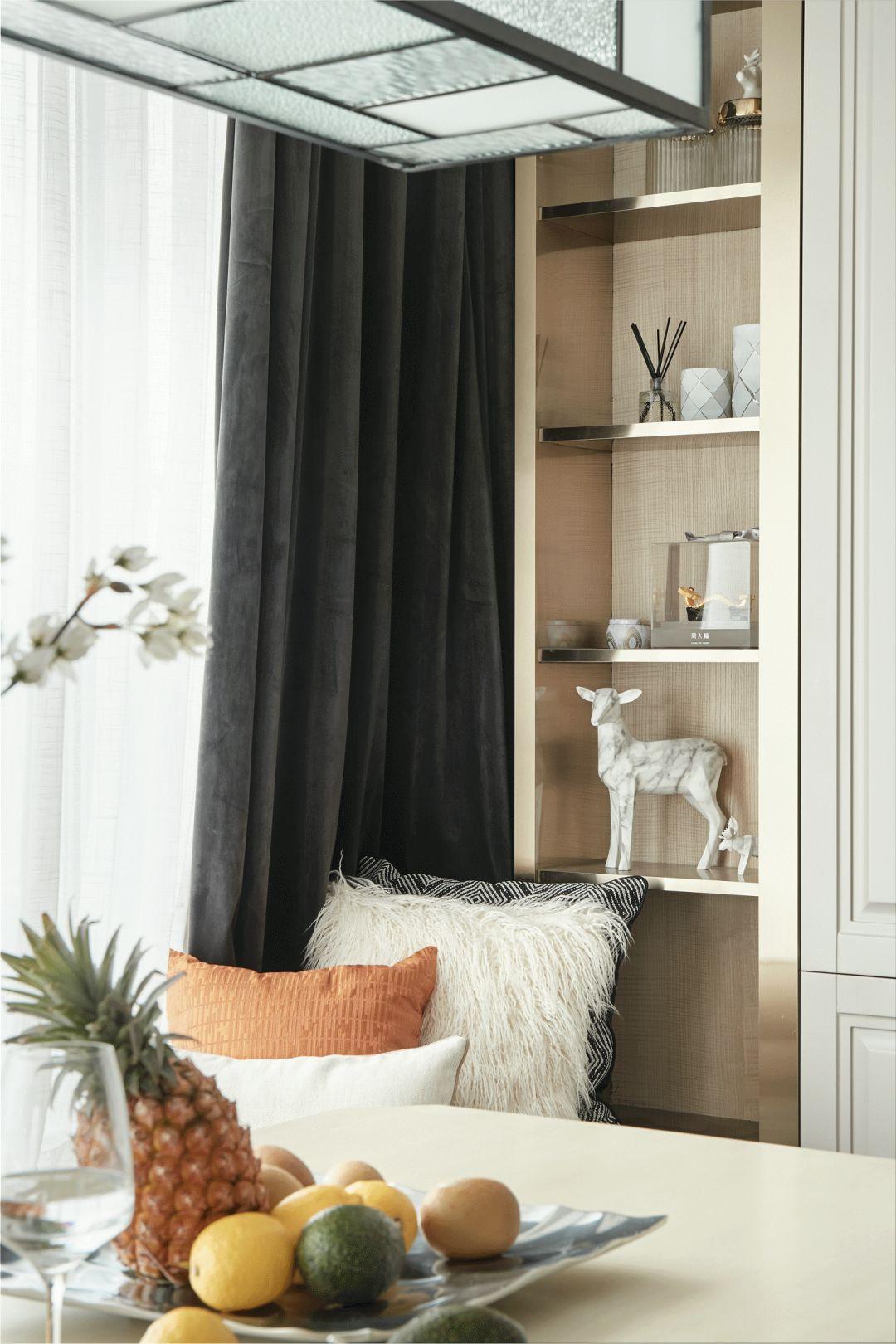 120平米三居室装修展示柜设计