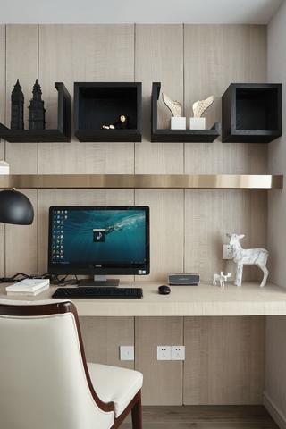 120平米三居室装修书桌设计