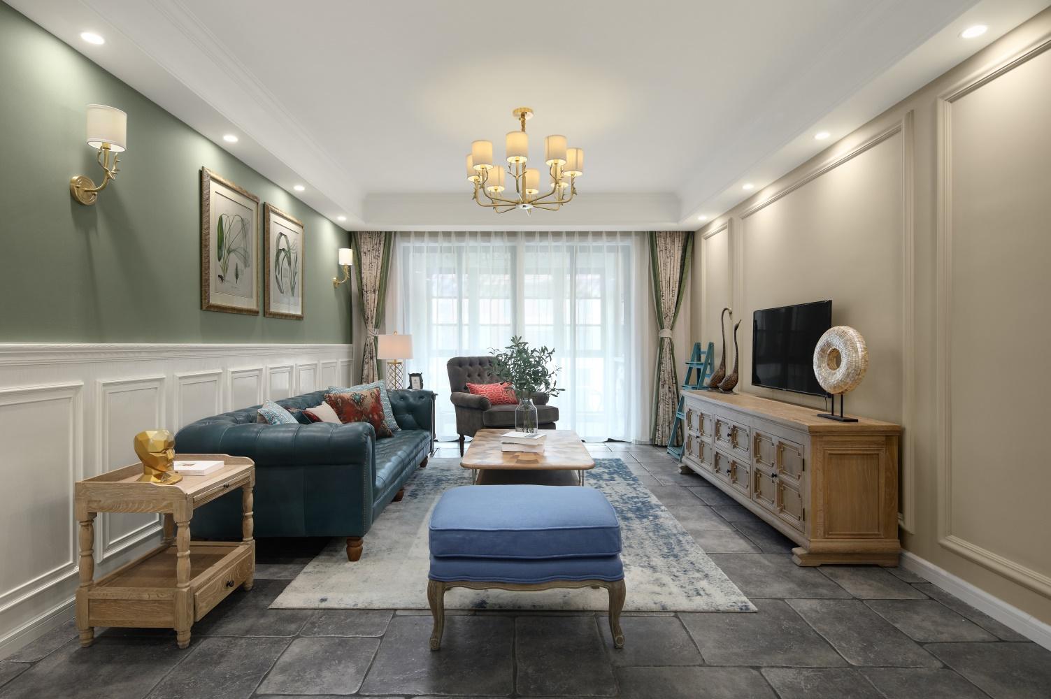 137平美式风格客厅装修效果图