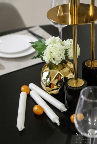 140平米混搭风格装修餐桌摆件特写
