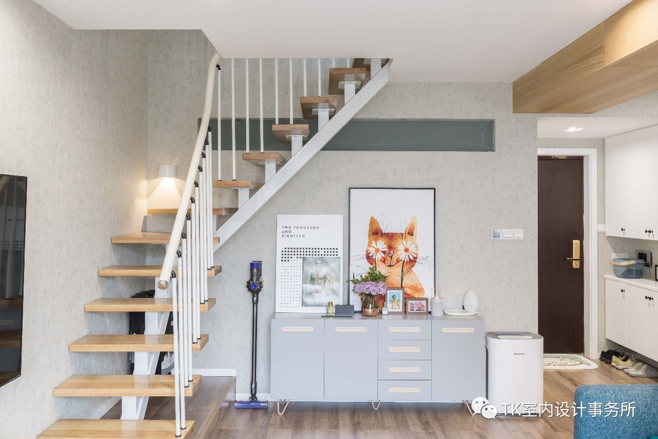 85平米一居室楼梯装修效果图