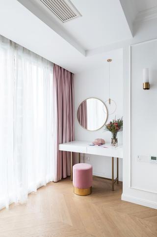 116平米三居室装修梳妆台设计