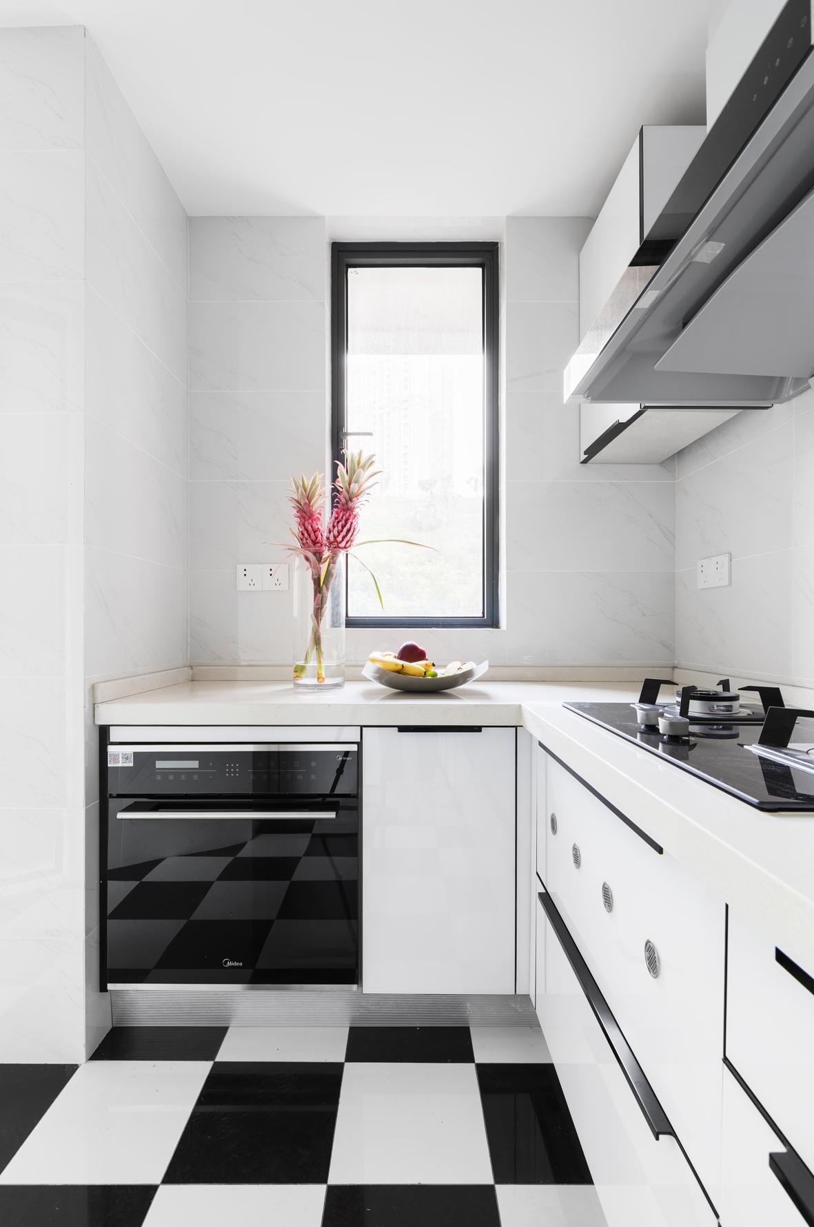116平米三居室厨房装修效果图