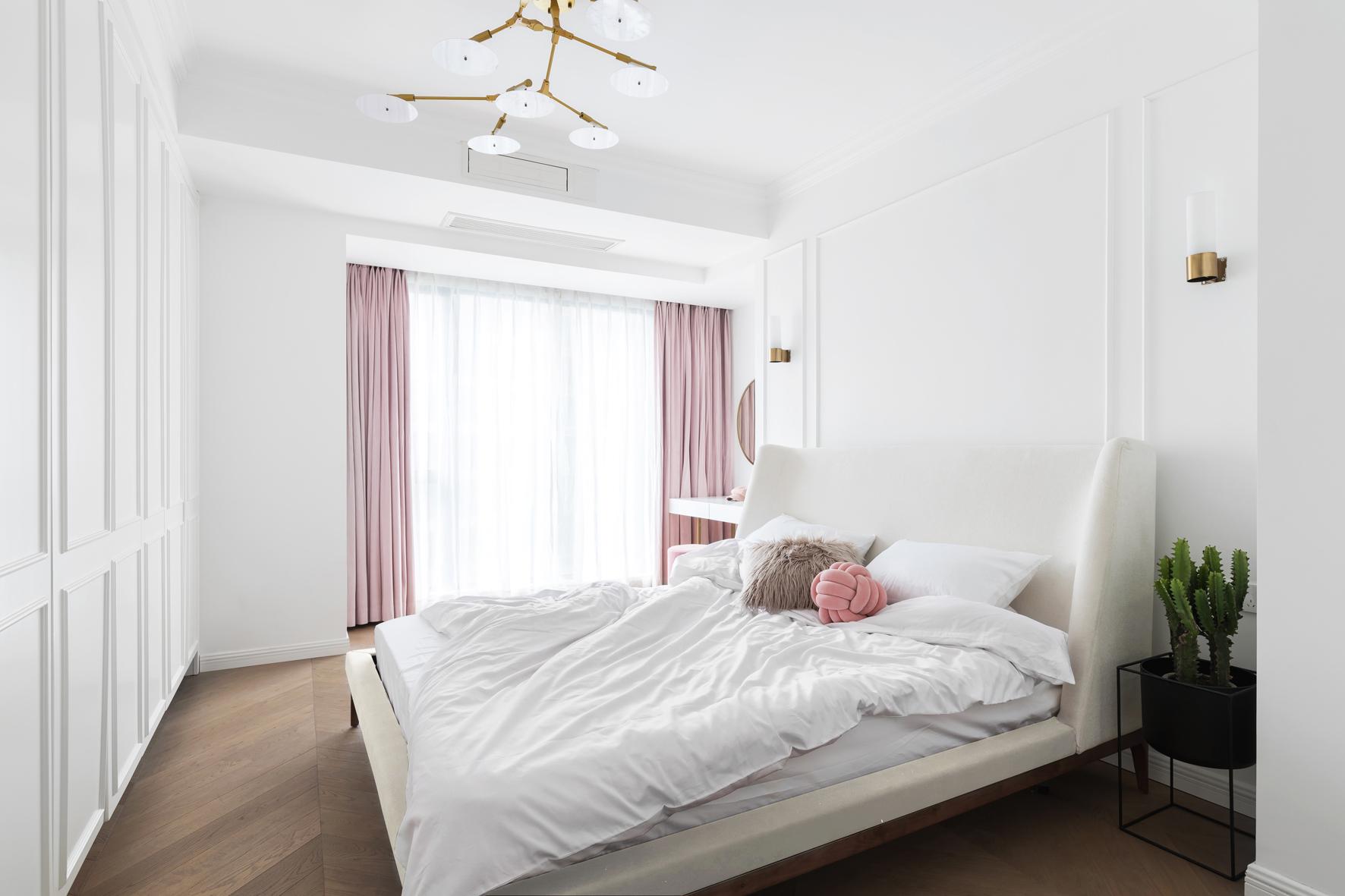 116平米三居卧室装修效果图