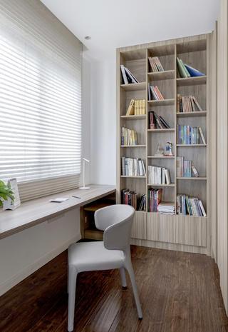 简约现代风三居书房装修效果图