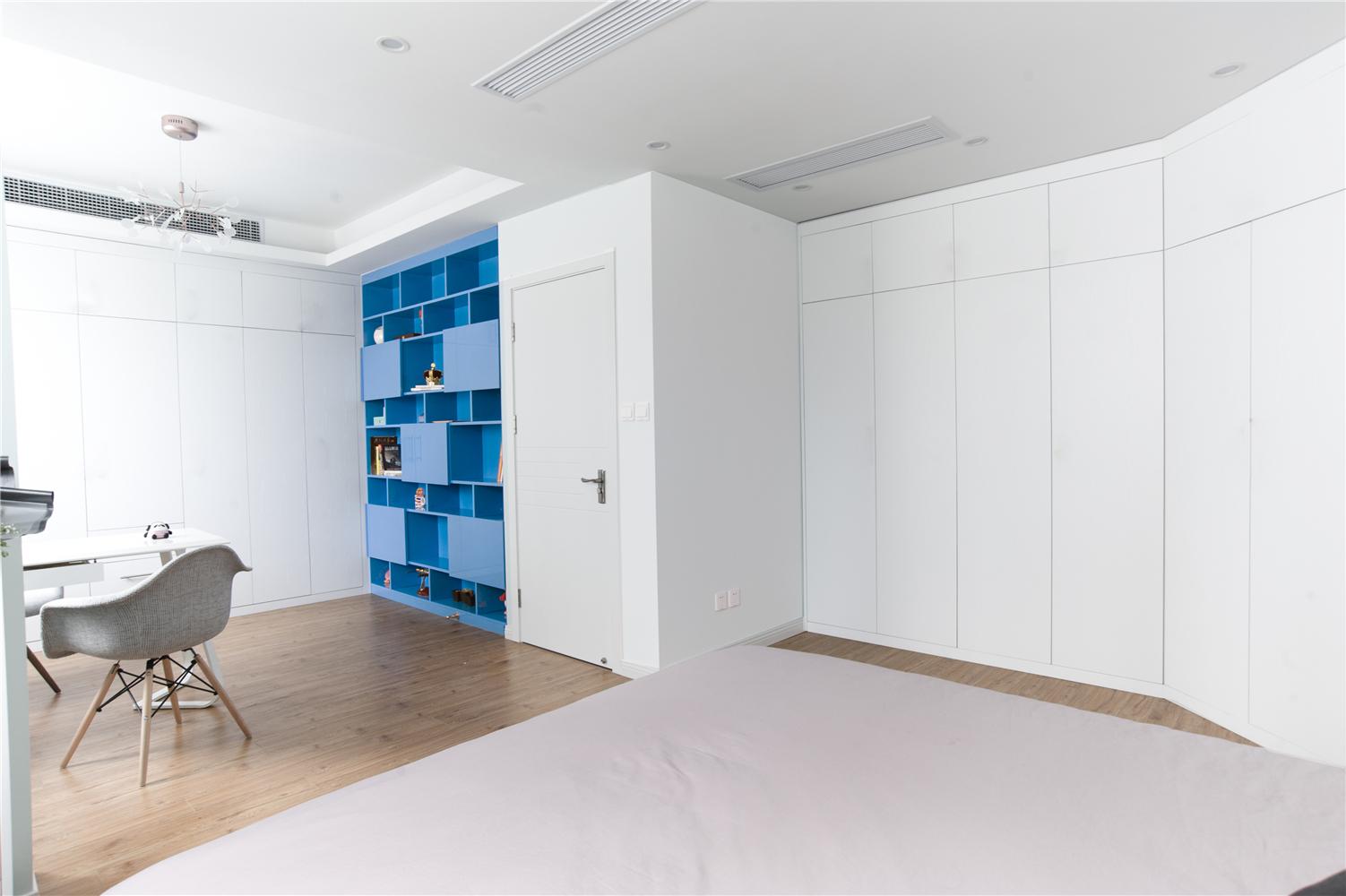 59平米小户型装修卧室书房效果图