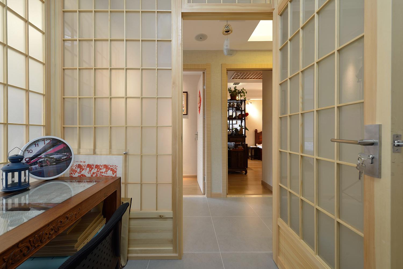 120㎡日式风格装修玻璃木门设计