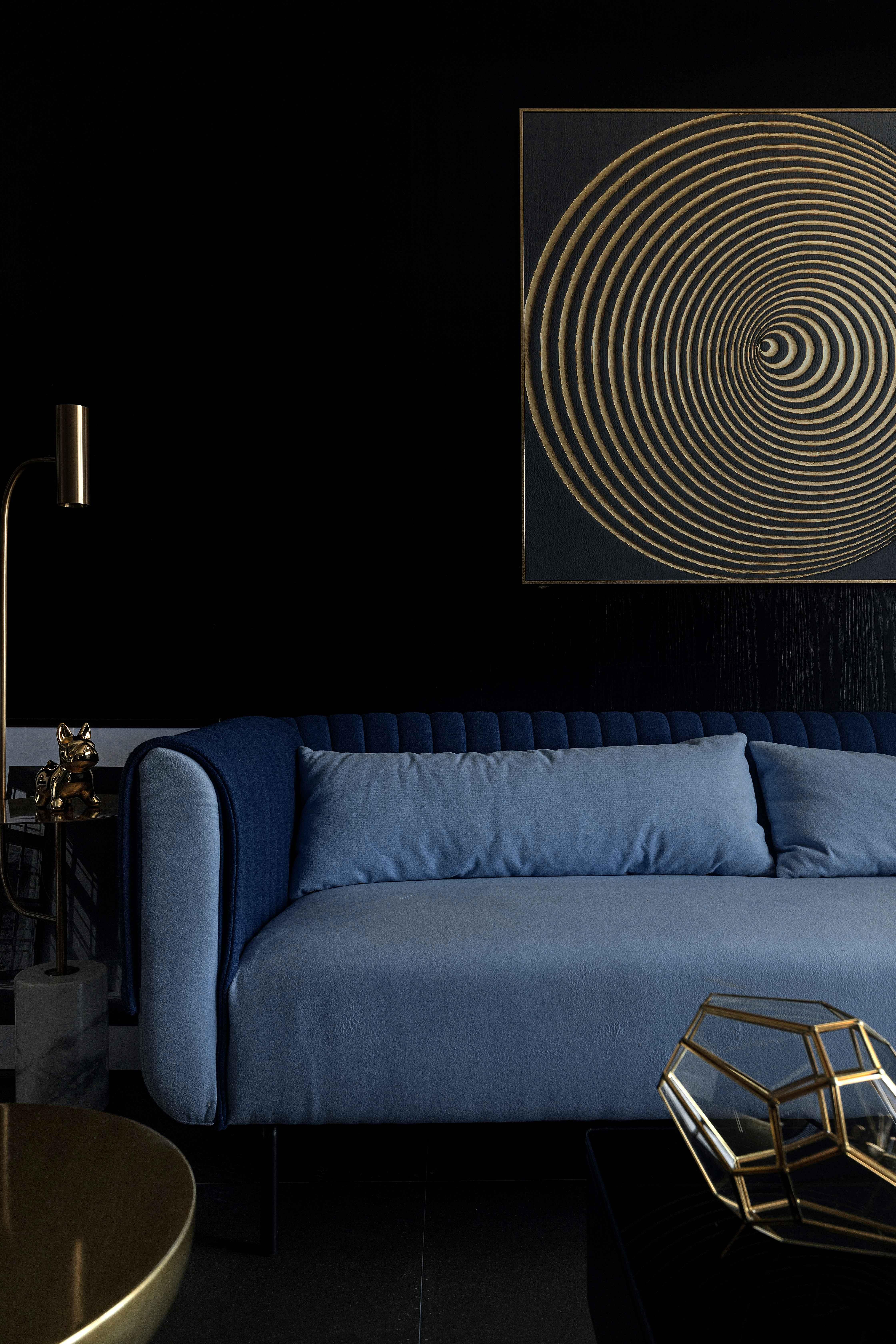 70㎡暗黑系现代风沙发墙装修效果图