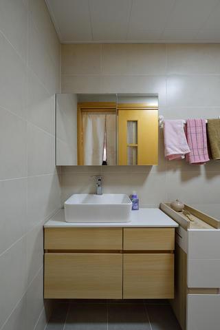70㎡两居室卫生间装修效果图