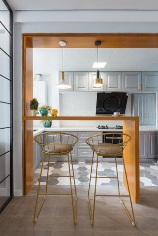 90平北欧三居装修厨房吧台设计