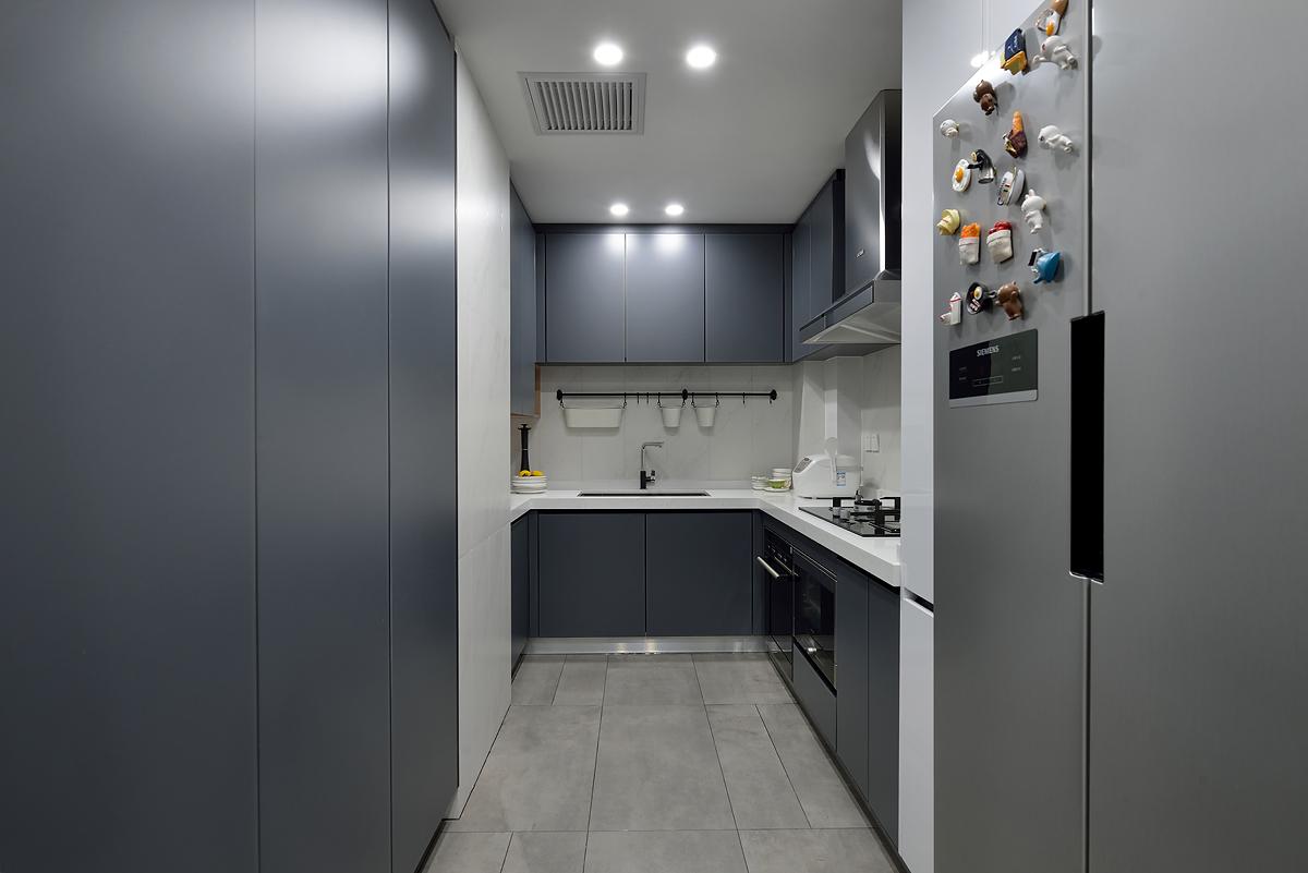 75㎡现代简约风厨房装修效果图