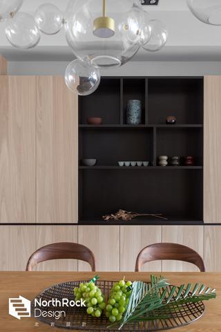 178㎡现代简约装修餐边柜设计