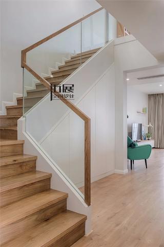 大户型复式北欧风楼梯装修效果图