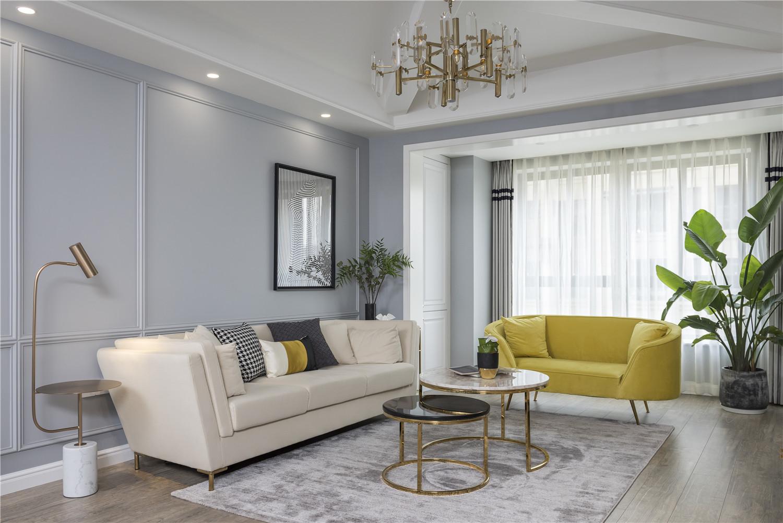 130平米四居客厅沙发墙装修效果图