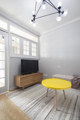 北欧二居室装修茶几电视柜设计