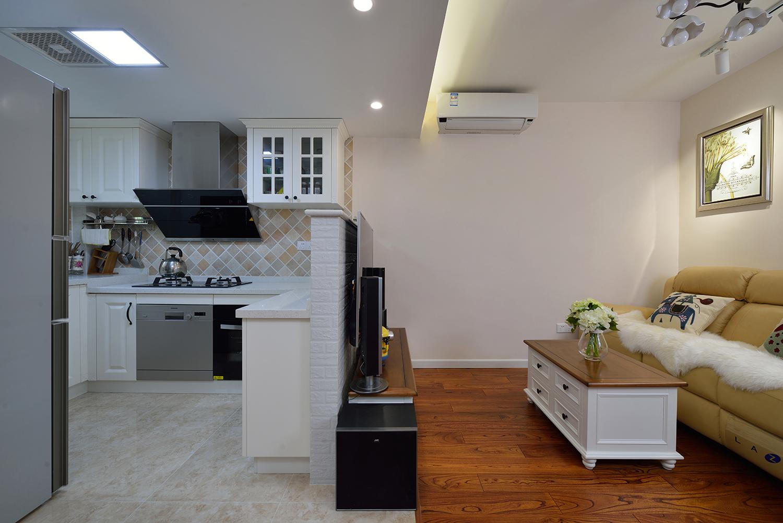 美式二居装修客厅厨房全景图