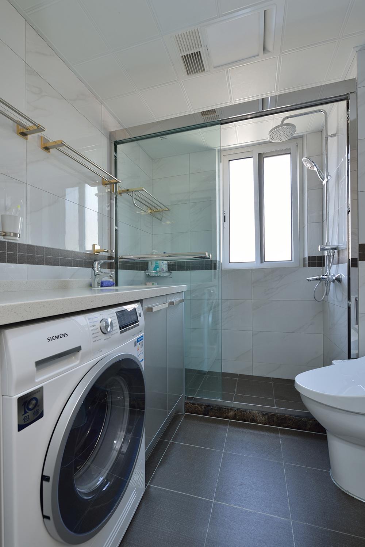 美式三居室卫生间装修效果图