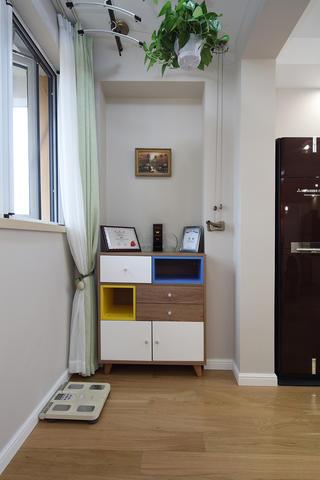 55㎡小户型装修阳台收纳柜设计