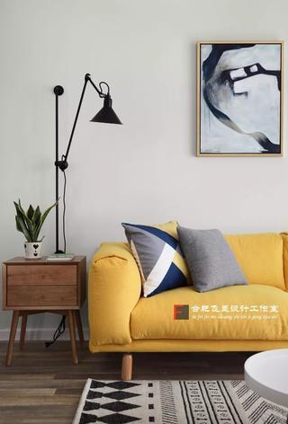 85平米两居室装修沙发一角