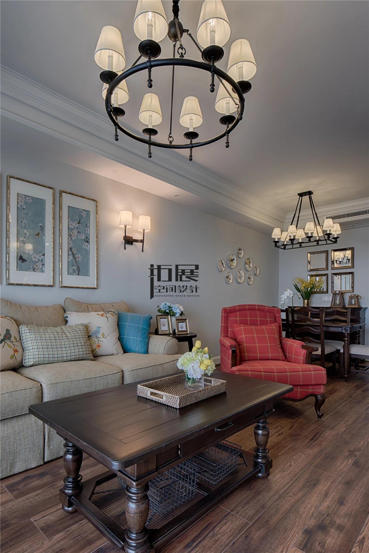 美式风三居装修客厅吊灯设计