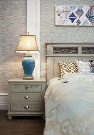 美式风别墅装修床头柜设计