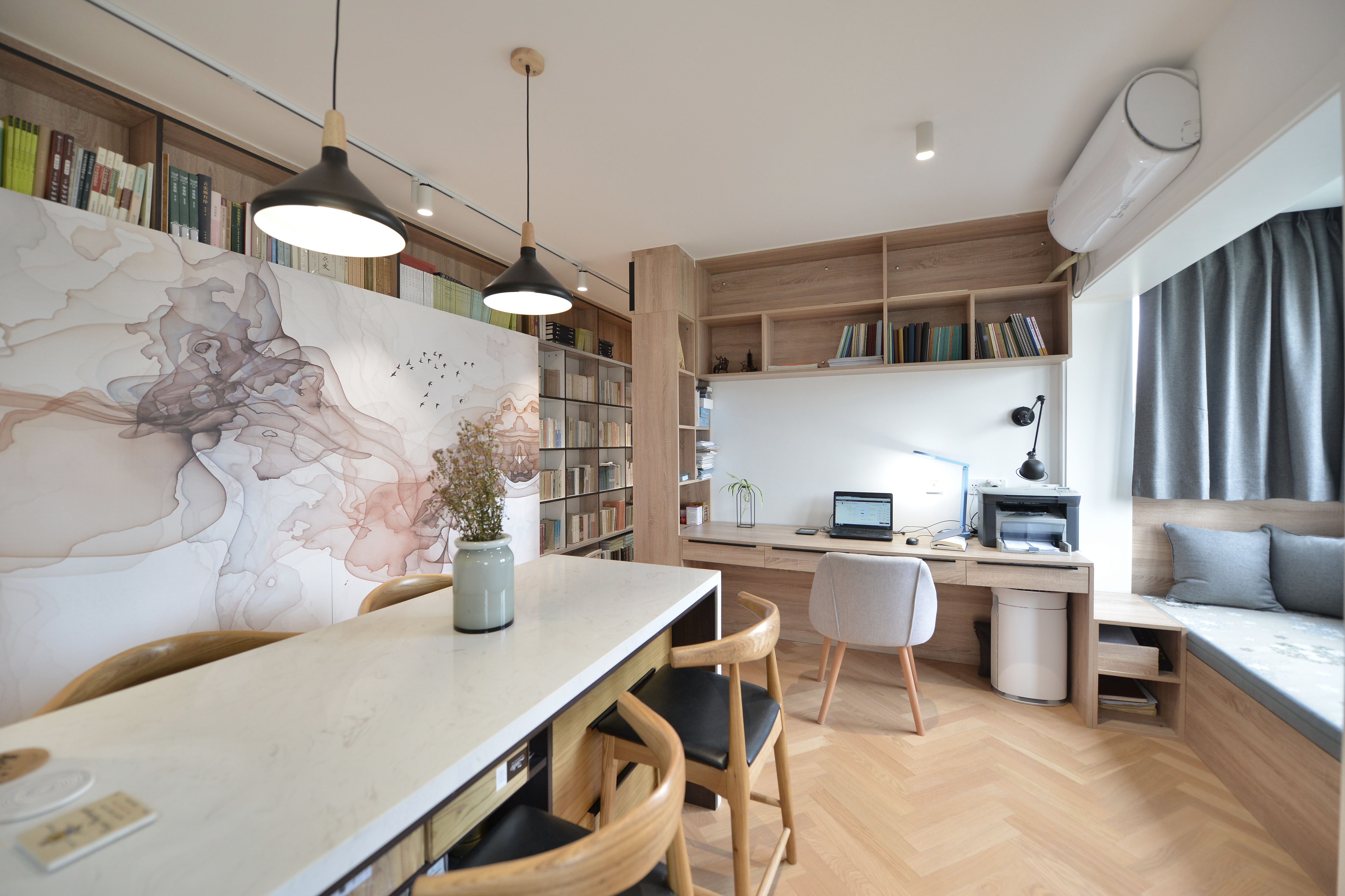 现代简约二居餐厅装修效果图