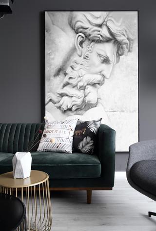 66平米小户型装修客厅沙发一角