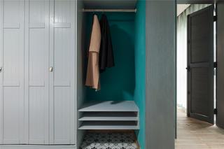 混搭风两居室装修衣柜设计