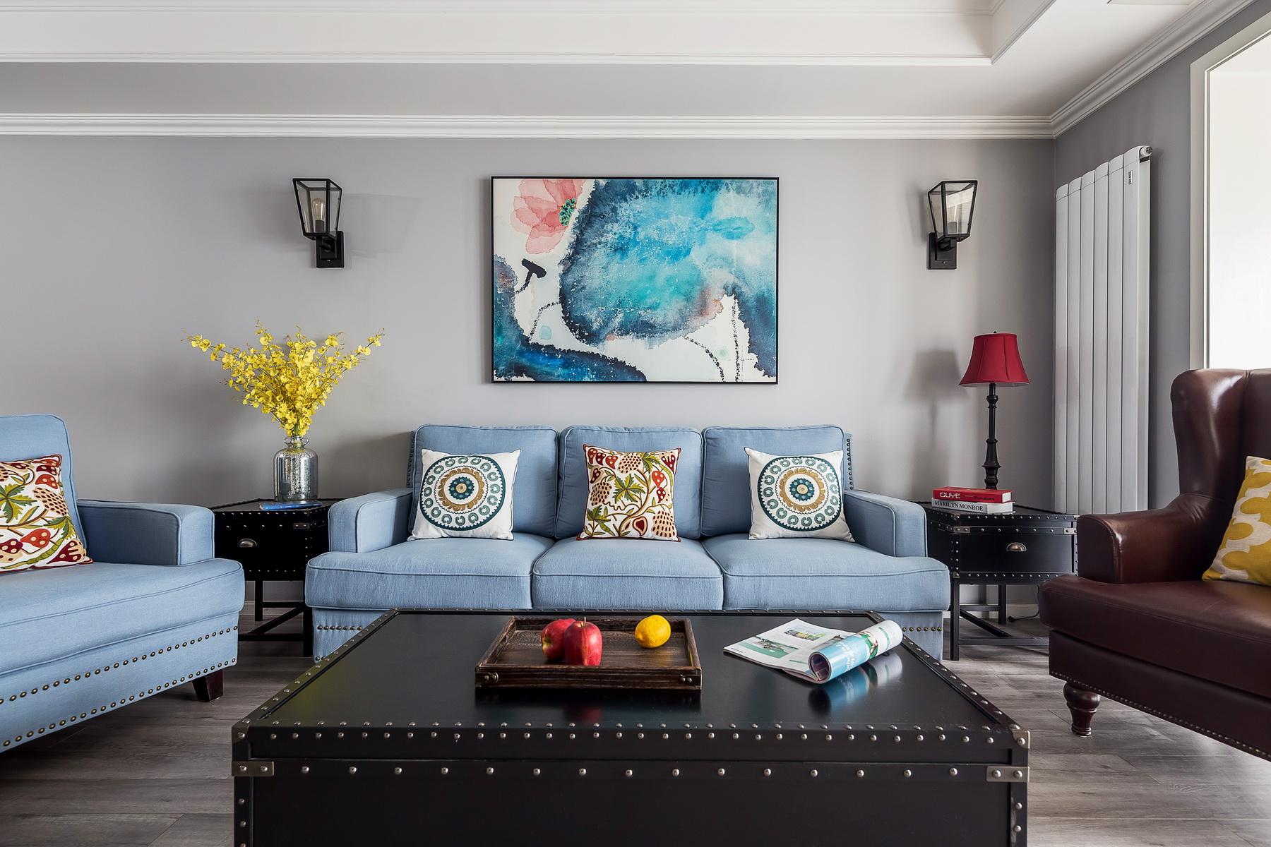 110平美式三居沙发背景墙装修效果图