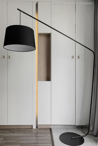 现代简约两居装修落地灯设计
