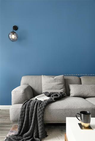 现代简约两居装修沙发设计图