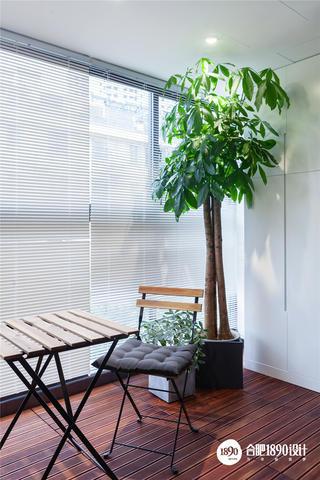 现代简约二居阳台装修效果图