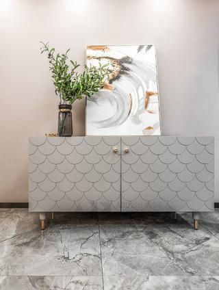 现代轻奢三居装修边柜设计