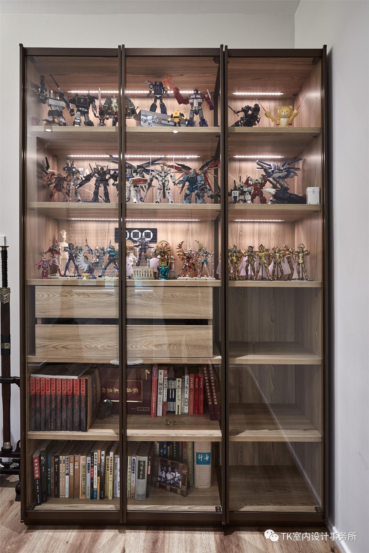 160平现代简约装修展示柜设计