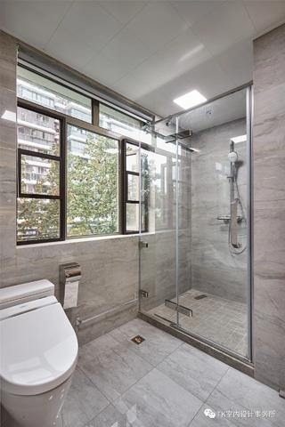 160平现代简约卫生间装修效果图