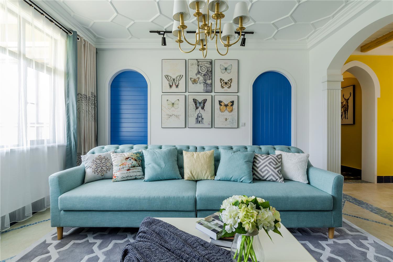 135㎡美式三居沙发背景墙装修效果图