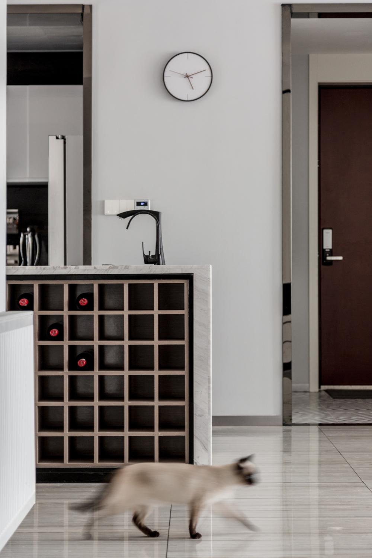 现代简约风格四居装修酒柜设计