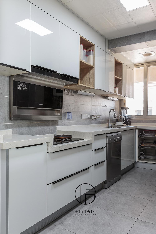 美式风格四房装修厨房效果图