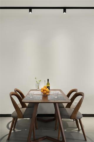 复式极简风装修餐桌椅设计