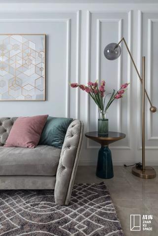 简美风格三居装修客厅沙发一角