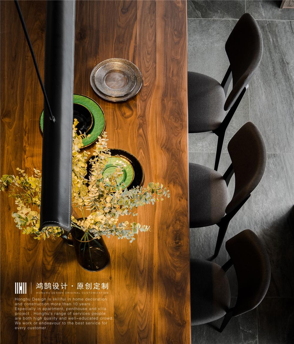 现代风别墅装修餐桌椅设计图