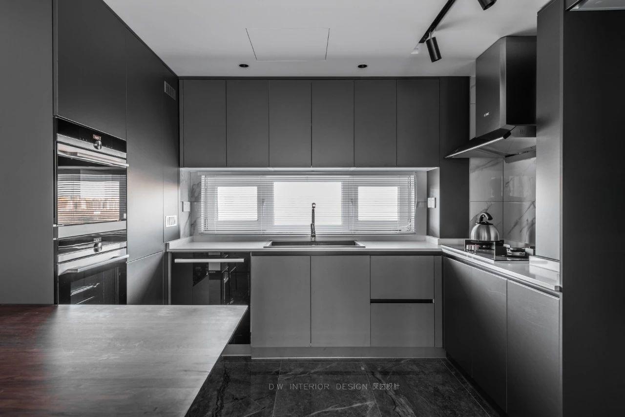125平米三居室厨房装修效果图