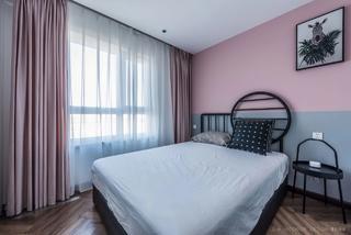 125平米三居卧室装修搭配图